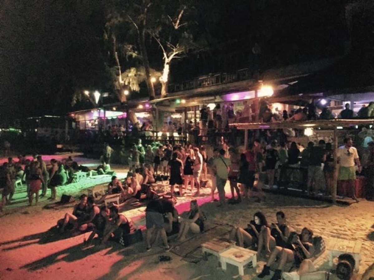 Fishbowl Beach Bar : สุราษฎร์ธานี