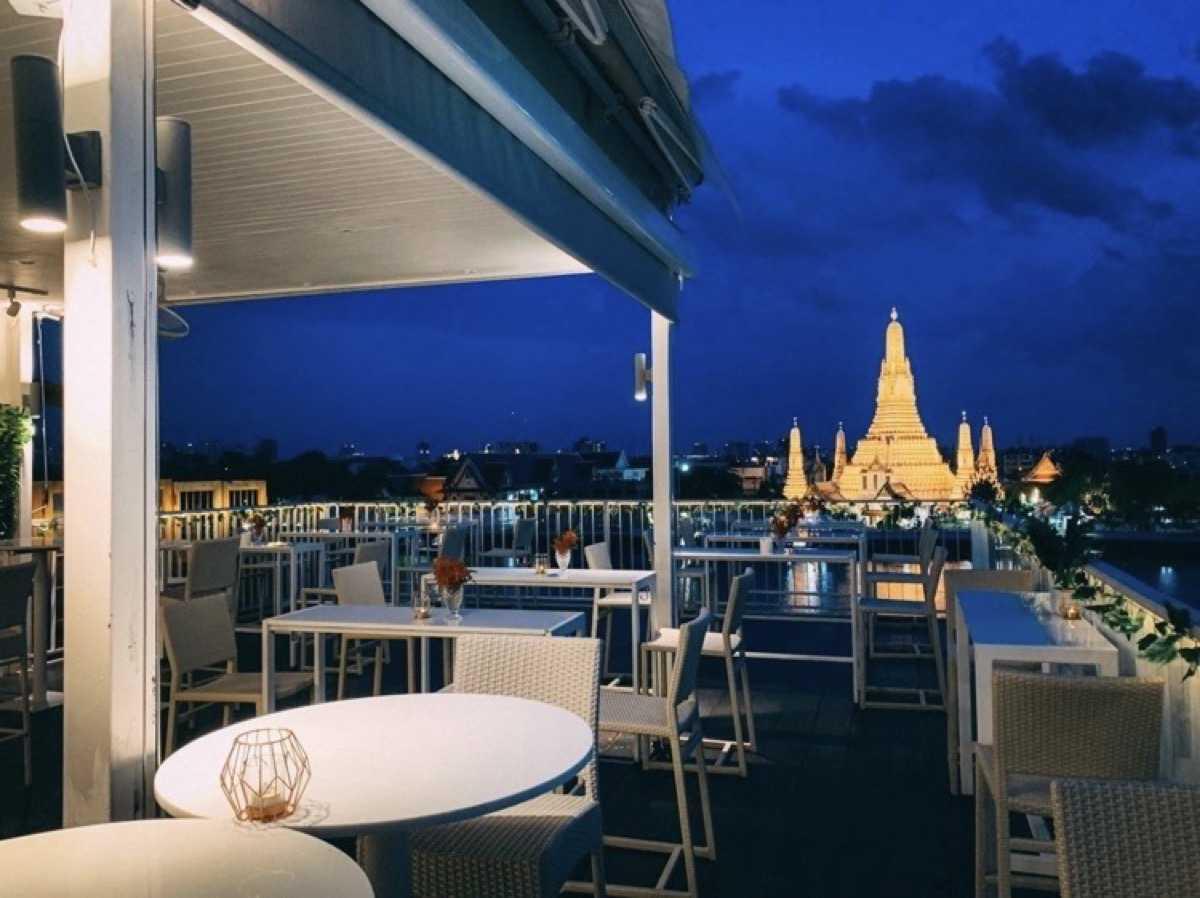 View ARUN - Rooftop Restaurant & Bar : กรุงเทพ