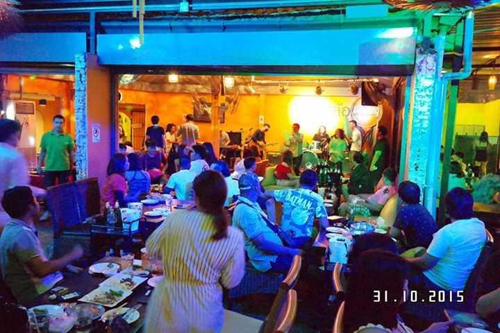 สามล้อ Bar & Restaurant : กรุงเทพ
