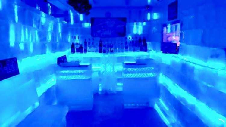 Jaguar biggest phuket's ice bar : ภูเก็ต