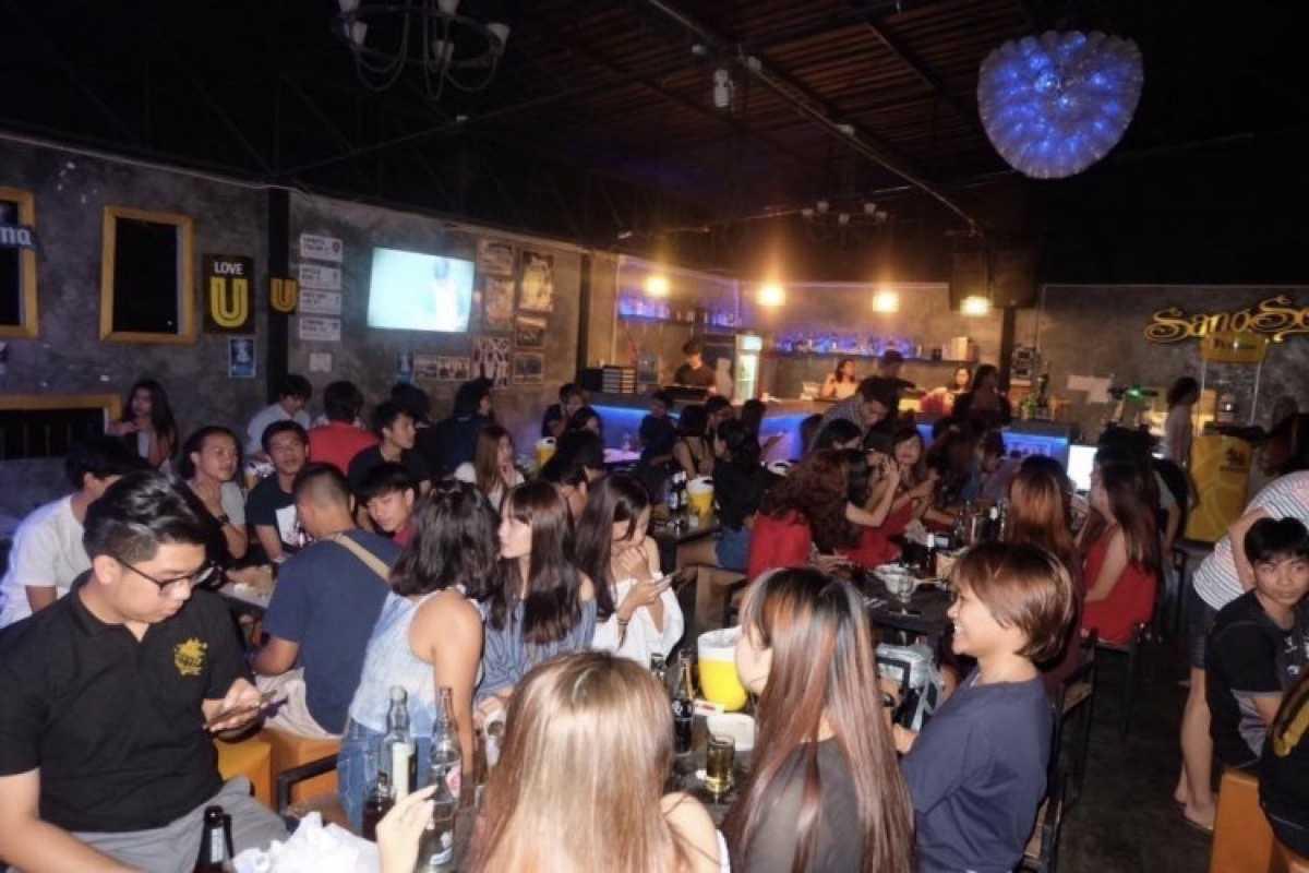 CHiC Bar & restaurant สมุทรปราการ  : สมุทรปราการ
