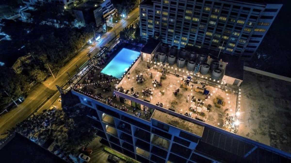 Woods Bar, Rooftop 12 Fl. : เชียงใหม่