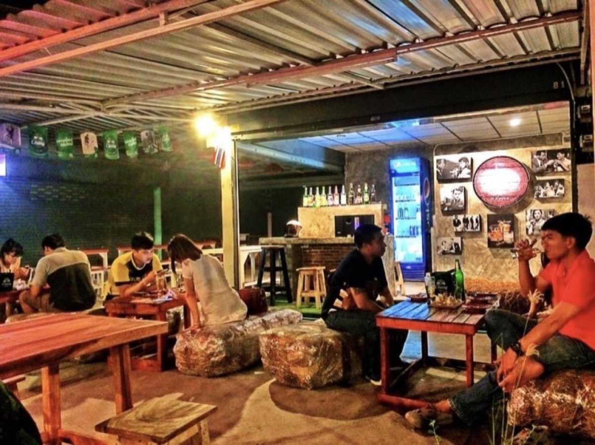 สถานีชนแก้ว Bar&Bistro : ราชบุรี