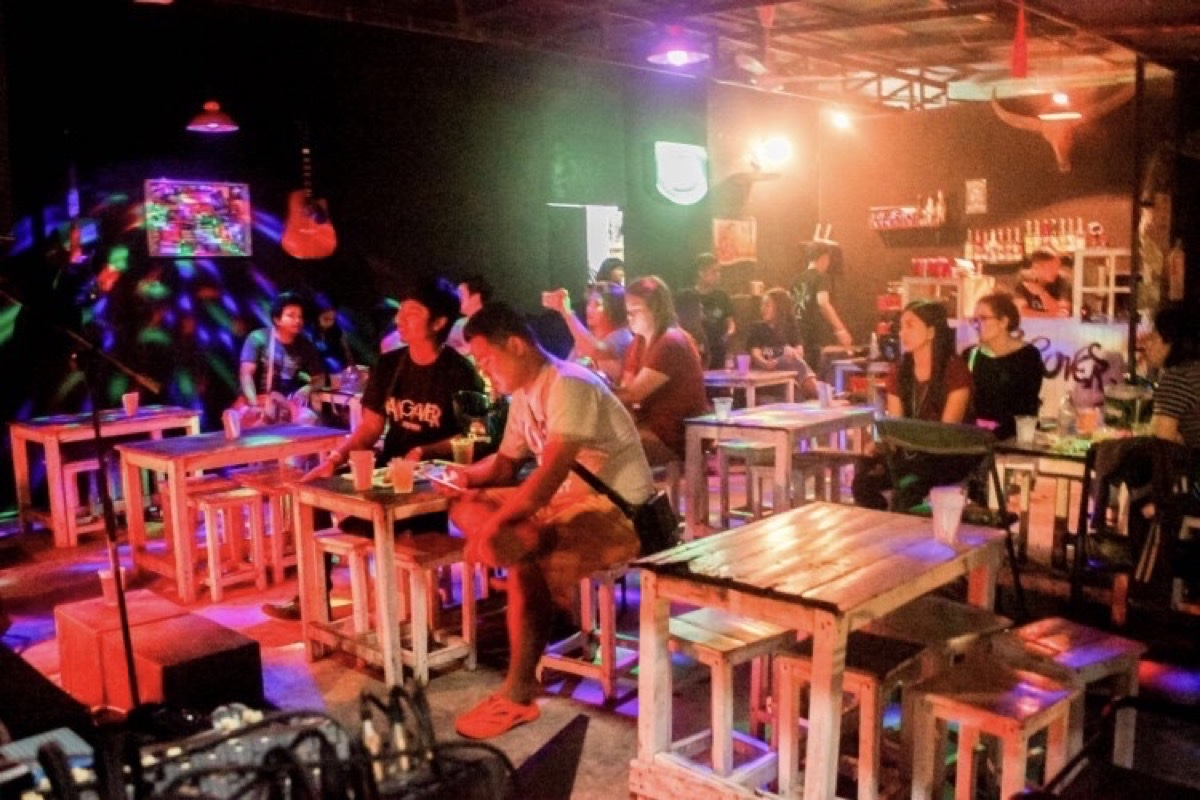 The Hang Over Bar : Phetchaburi