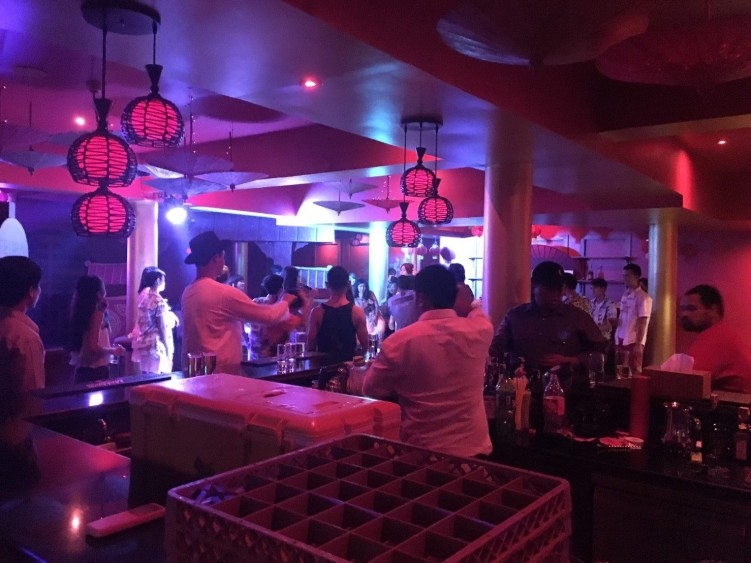 MACAO CLUB KOH CHANG : ตราด