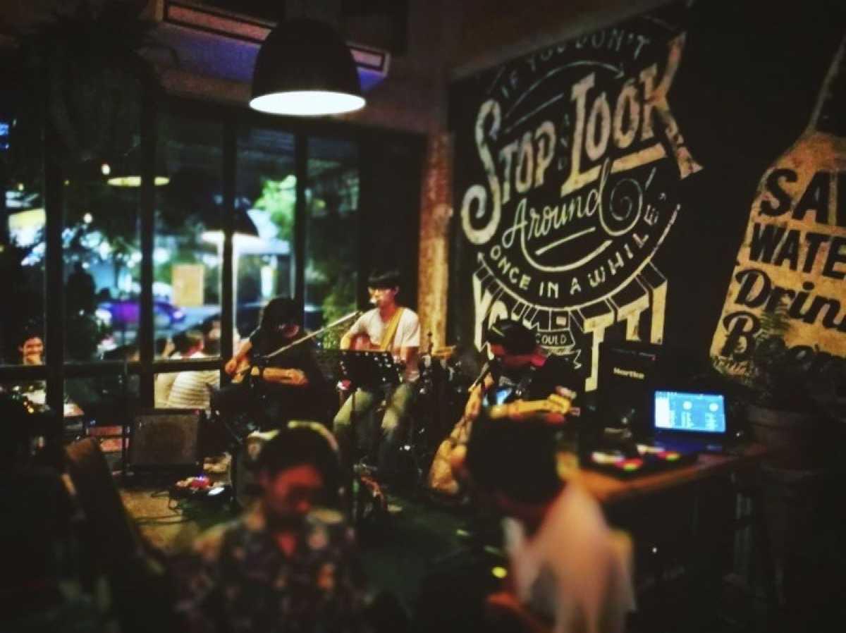 ส.ค.ส. (Sorkorsor art&music cafe) : กรุงเทพ (Bangkok)