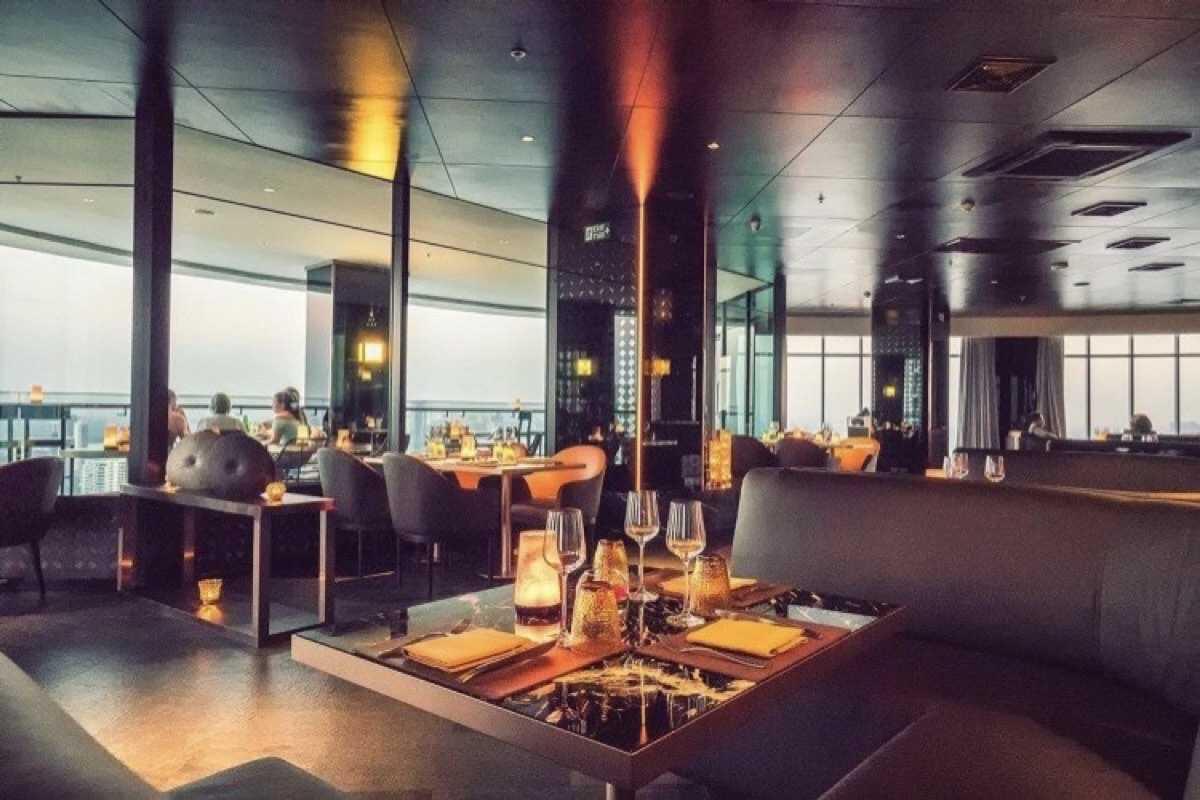 ซูม สกายบาร์แอนด์เรสเทอรองท์ (ZOOM Sky Bar & Restaurant) : กรุงเทพ (Bangkok)