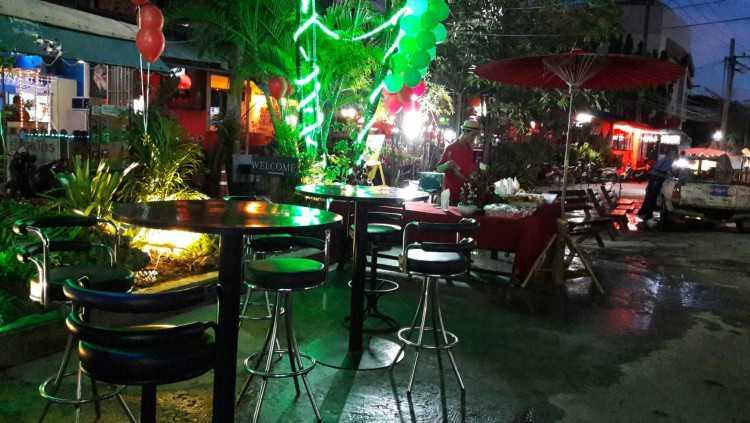 Carnival Bar : เชียงใหม่