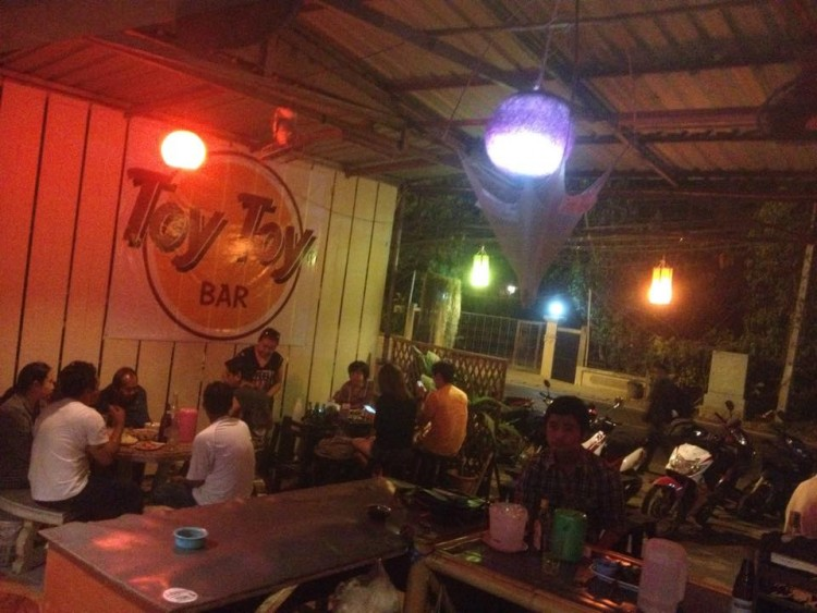 Toy Toy Bar : Chiangmai