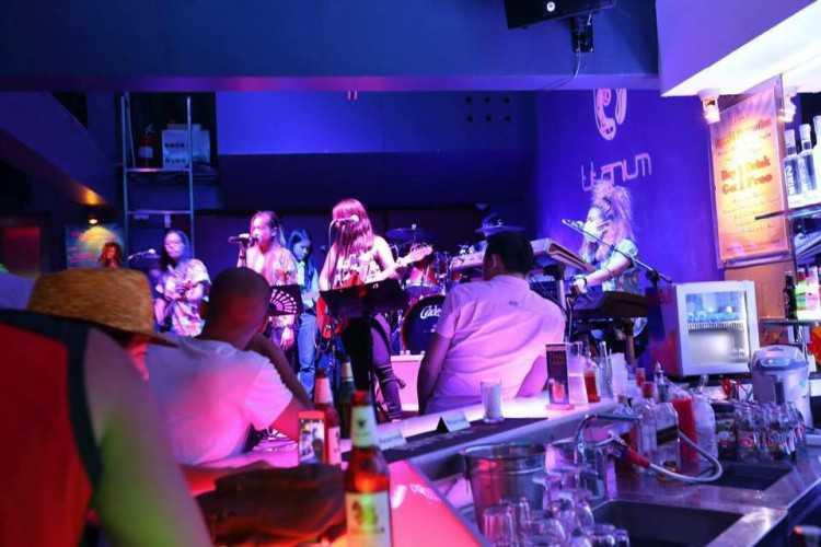 Titanium Club & Icebar : Bangkok