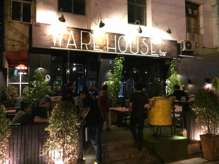 Warehouse bar bangkok (Warehouse bar bangkok) : Bangkok (กรุงเทพ)