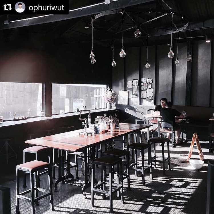 Arelomdee Cafe' อาลมดี คาเฟ่ : กรุงเทพ