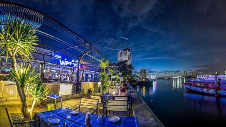 เดอะ เวฟ ไทย เรสเตอรองท์ (The Wave Thai Restaurant) : กรุงเทพ (Bangkok)