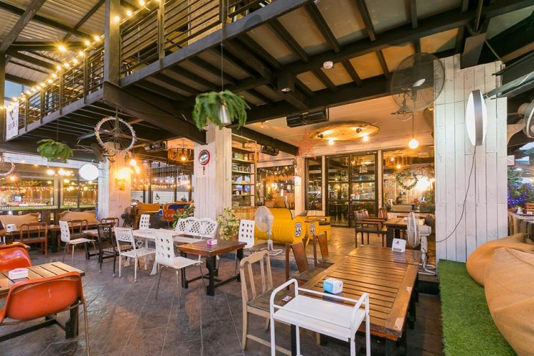 Len Yai by HOUSE SPACE : Bangkok