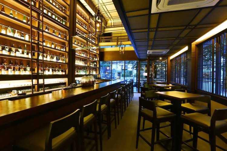 HanakarutaSathorn SAKE Bar&Japanese Food  花かるたサトーン : กรุงเทพ