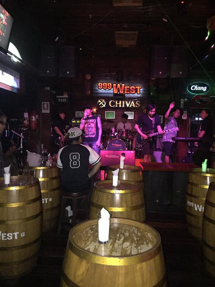 999 West Bar Khaosan Road : Khao San - Ratchadamnoen