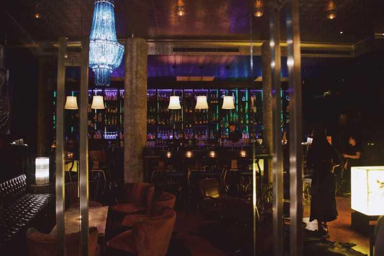 Bar Savoy : ทองหล่อ - เอกมัย
