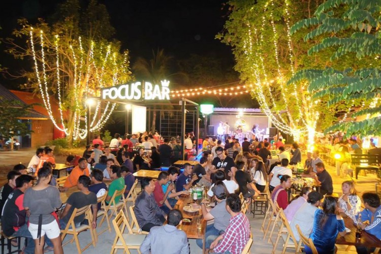Focus Bar & Bistro Saraburi : สระบุรี