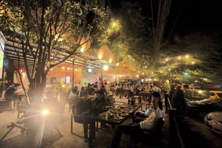 กันเอง Music&Restaurant เพจ-หลัก : พัทยา - ชลบุรี - ระยอง