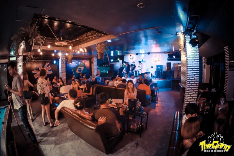 The Gang Bar & Bistro : Suphan Buri