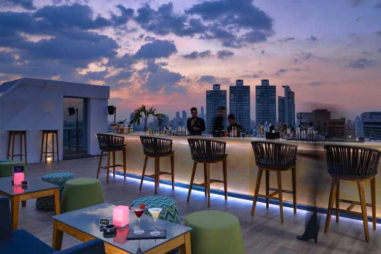 Vanilla Sky Rooftop Bar : กรุงเทพ