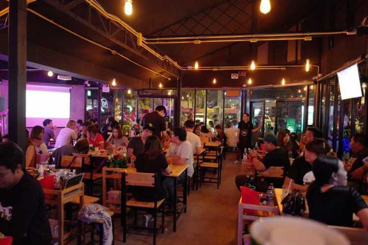 90 Bar & Bistro : Bangkok