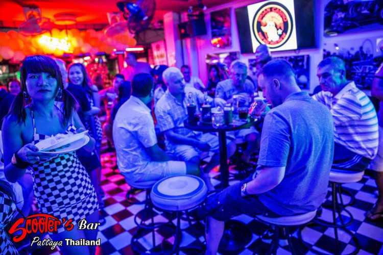 Scooters Bar Soi 6 : พัทยา - ชลบุรี - ระยอง
