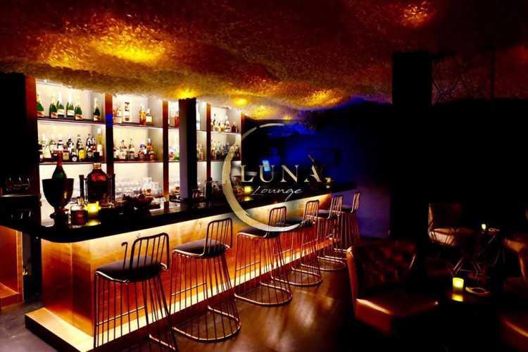 Luna Lounge : กรุงเทพ