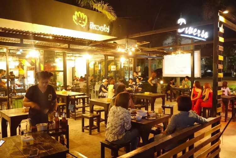 ดิเวอโซ่ Bar & Bistro : พัทยา - ชลบุรี - ระยอง