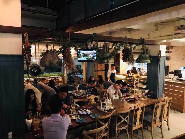 My Corner Dine & Lounge : Phattanakan - Srinakarin - Train Night Market Srinakarin - Bang Na - Ladkrabang