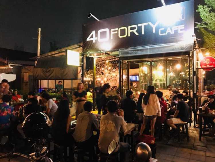 FORTY  CAFE : Kaset - Nawamin - Pradit Manutham