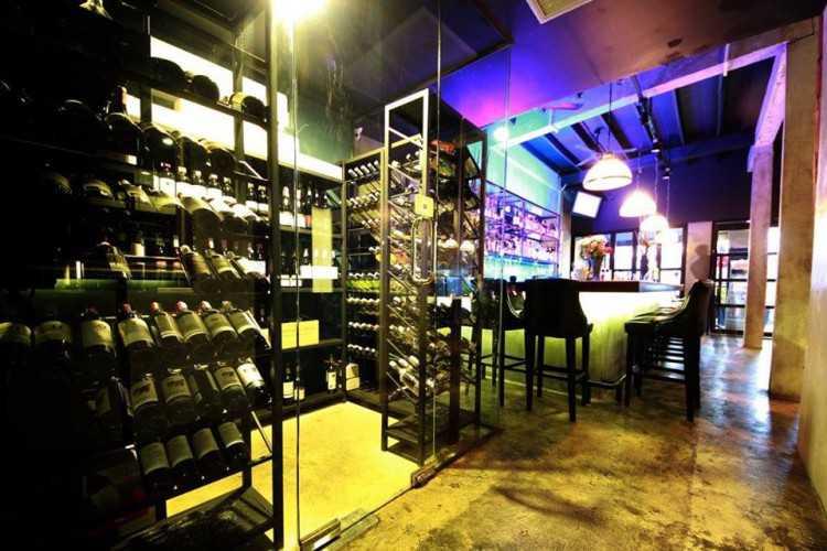 Blend Bistro & Wine Bar : กรุงเทพ