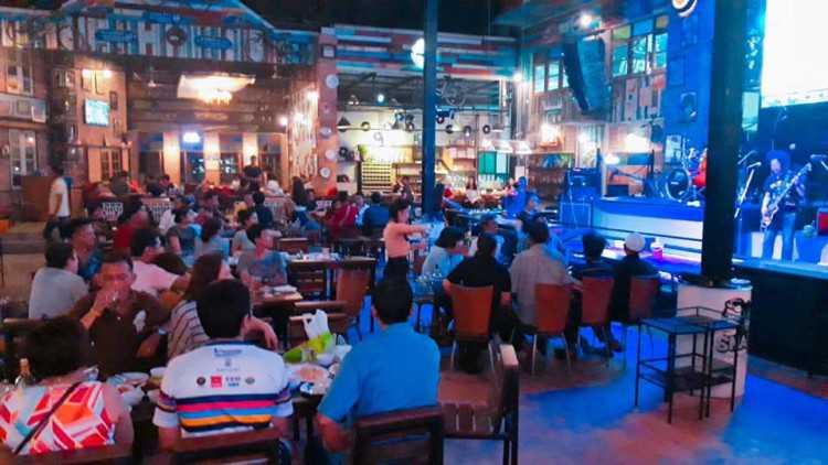 1980s9 Music & Restaurant : Bangkok