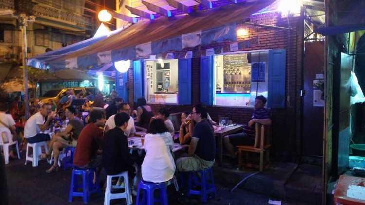 BaanBangkok local Craft Beer Bar : กรุงเทพ