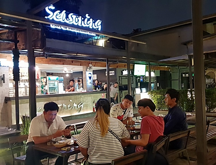 SEASONING bar & restaurant : กรุงเทพ