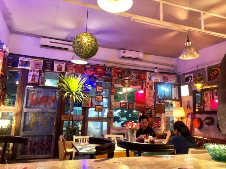 Funky Tom Bar : Chang Watthana - Lak Si - Rangsit - Pak Kret - Pathum Thani