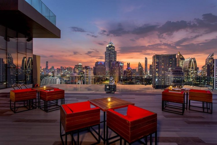 RedSquare Rooftop Bar : สุขุมวิท - อโศก