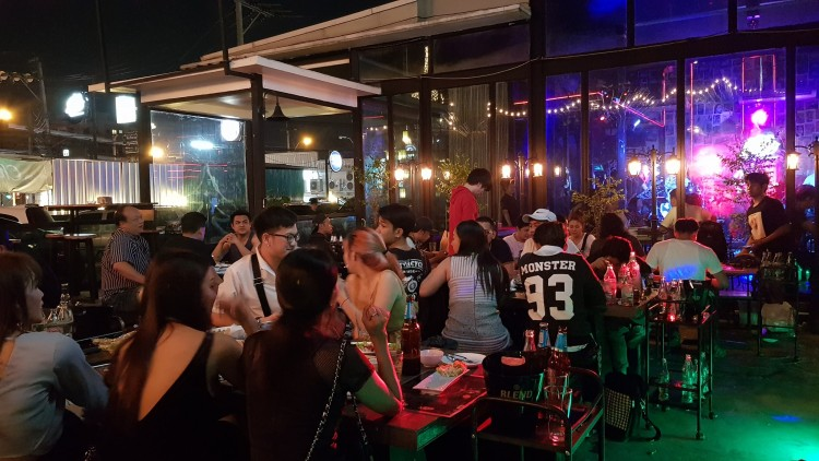 JJ Station bar and restaurant : Lat Phrao - Ramkhamhaeng - Sukhapiban