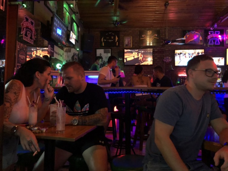 Heroes Bar Phuket : ภูเก็ต
