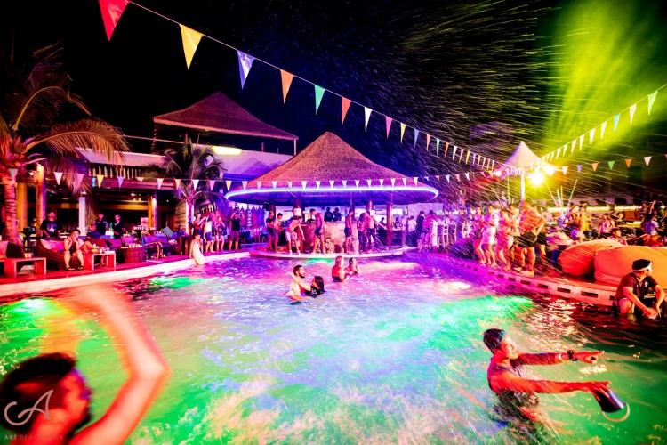 Art Beach Club Koh Lipe Thailand : สตูล