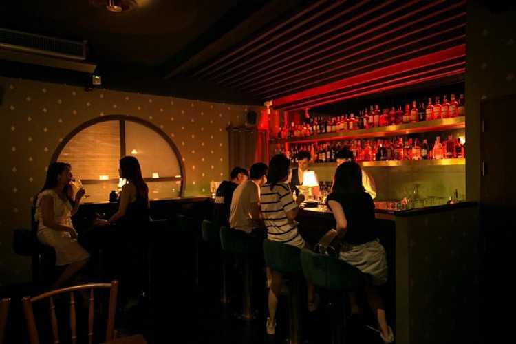 Honest Mistake Bar : พญาไท - ราชเทวี - โคโค่วอล์ค
