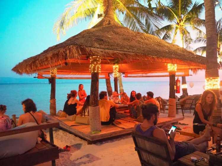 Sunset Walk Koh Phangan : Surat Thani