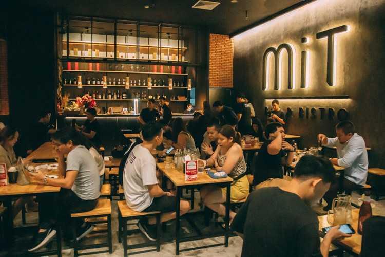 MiT Bar&Bistro : กรุงเทพ