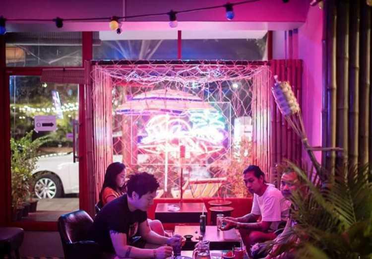 Okinawa bar : กรุงเทพ