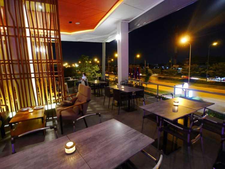 MAKIN Bar & Restaurant : กรุงเทพ