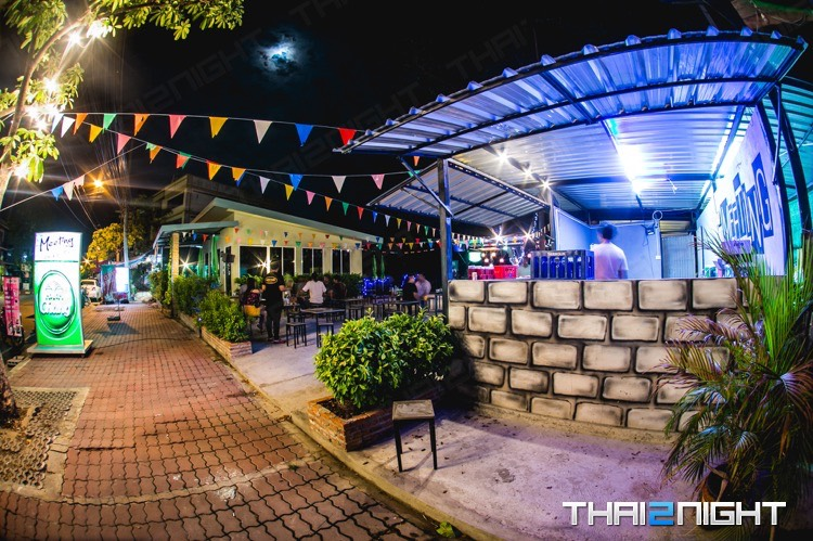 Meeting bar & bistro : Nakhon Pathom