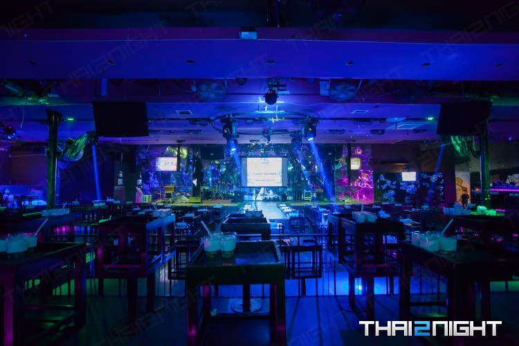 Fake Club The Next Gen Ratchada Soi 4 : กรุงเทพ