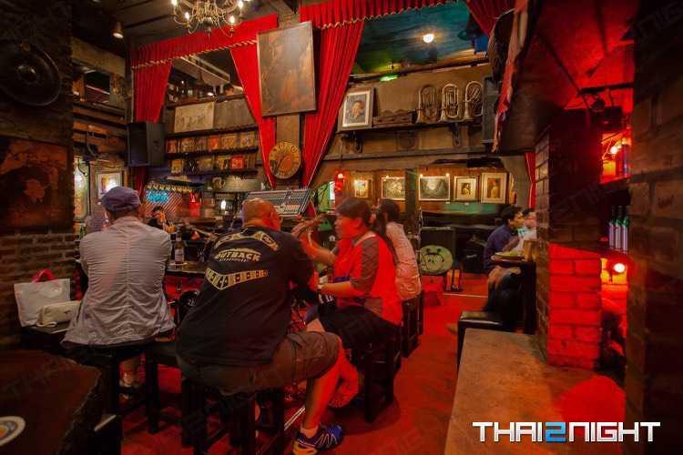 Saxophone Pub and Restaurant : Victory Monument - Rangnam - Aree
